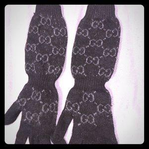 100% Cashmere Gucci logo winter gloves